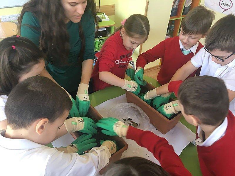 activitate cu copii in scoala particulara din Iasi